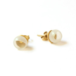 1 cup studs - who needs pearls, gold plate